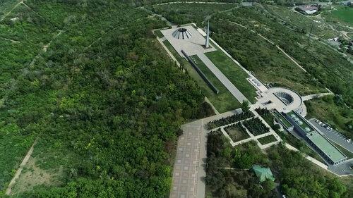 Крепость ласточки: история создания Цицернакаберда — одного из самых уникальных памятников Советского Союза