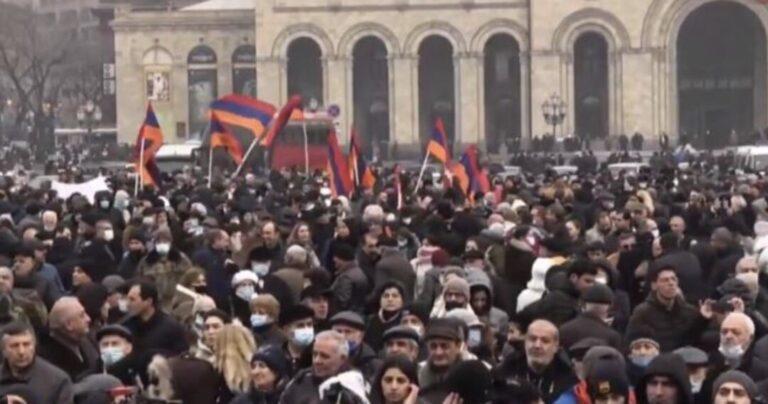 Никчемная и беззубая оппозиция Армении. На деле мычание ягнят не страшнее их молчания, Никола этим не испугать