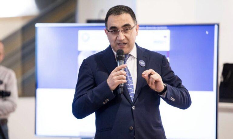 Что хочет враг народа Никол Пашинян от Армена Дарбиняна и Российско-Армянского университета?