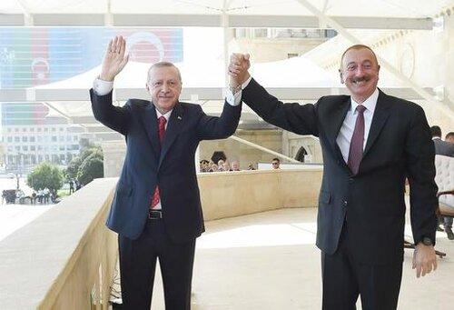 Пока Пашинян открывает посольство Армении в Азербайджане, Алиев на параде заявляет, что Ереван, Сюник и Севан — исторические территории Азербайджана