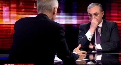 Позорное интервью Зограба Мнацаканяна BBC: как долго дураки с умным видом будут делать вид, что строят будущее армянского народа? ВИДЕО