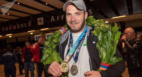 Штангист из Армении Акоп Мкртчян завоевал золото и установил рекорд на молодежном чемпионате Европы