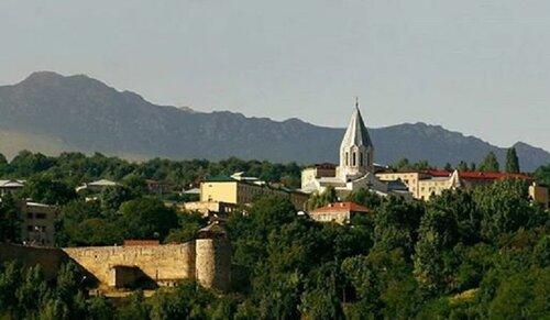 Сейчас люди, живущие в Степанакерте, смотрят на Шуши так же, как жители Еревана смотрят уже век на Арарат…