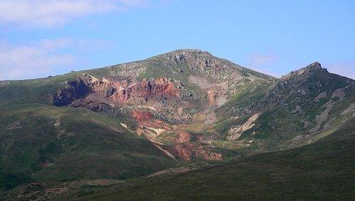 Амулсар. Армения — горная страна, и в этой среде образовались наши гены. Уничтожить горы равно уничтожить наши гены