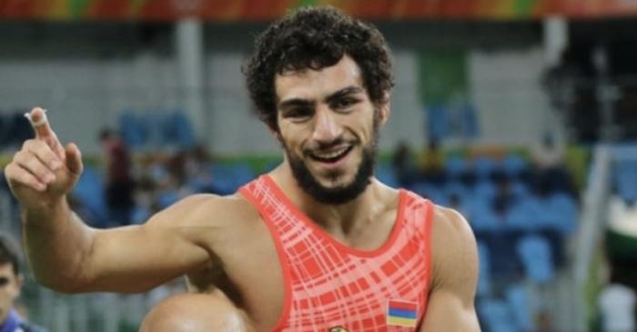 Он это сделал: борец Мигран Арутюнян выиграл «Кубок чемпионов» с разгромным счетом 10:0
