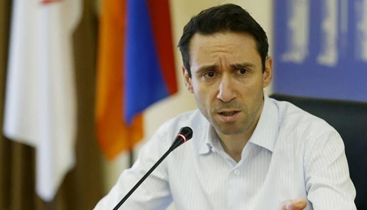 Мэр Еревана не знает, что идет война