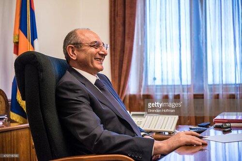 Бако Саакян со своей шлеп-компанией все же пригласил коронавирус из Армении в Арцах, за что будет проклят собственным народом