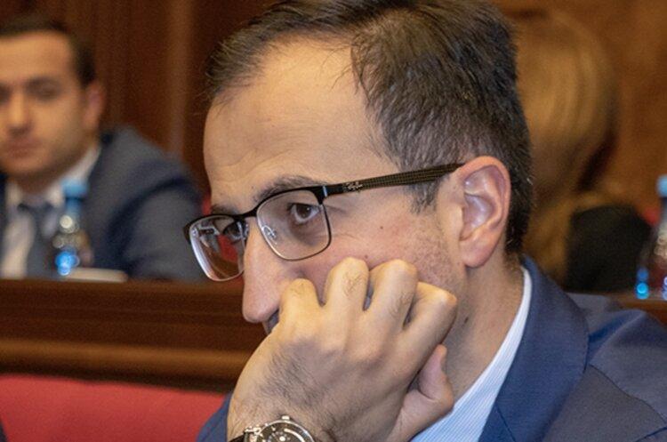 И вновь о ветеринаре Арсене Торосяне, благодаря которому Армения семимильными шагами преодолевает коронавирус