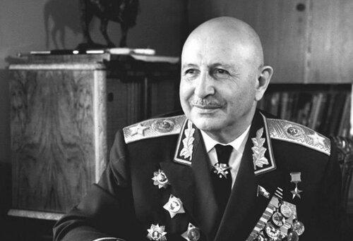 О том, как маршал Баграмян освобождал от фашистов Белоруссию, чтобы та сегодня так рьяно продавала оружие Азербайджану