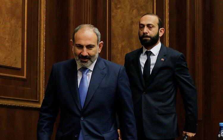 Если Никол Пашинян может быть предателем родины, то почему Арарат Мирзоян не может быть двойным агентом?
