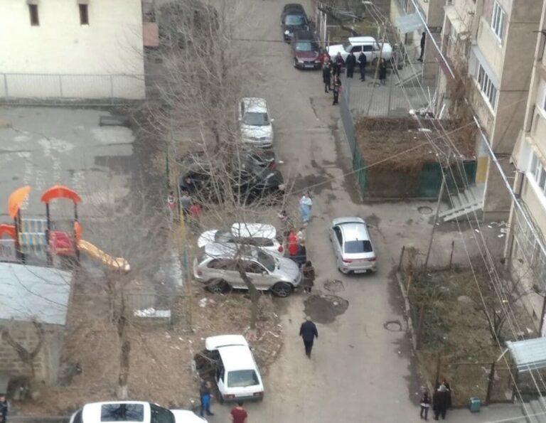 Сильное землетрясение магнитудой 4.7 в 12-и километрах от Еревана: многие жители высоток вышли на улицы
