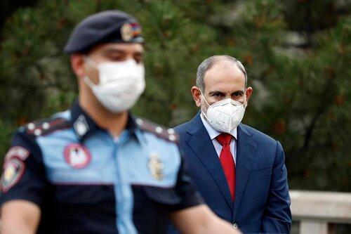 Никол Пашинян сообщил, что в Армении сейчас более 100 000 зараженных коронавирусом