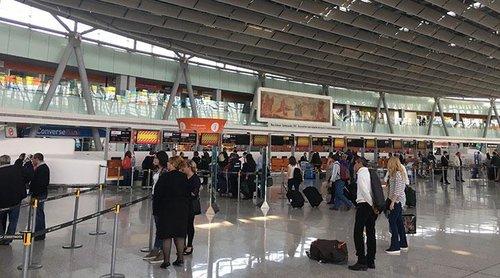 Кошмарный «налог на воздух»: как Роберт Кочарян и Серж Саргсян продавали пассажирам в аэропорту армянский воздух