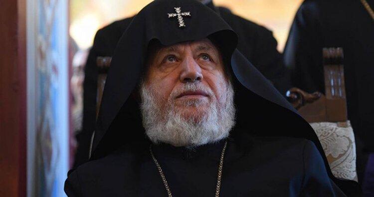 Католикос из Москвы срочно вернулся в Армению, чтобы не ударить лицом в грязь