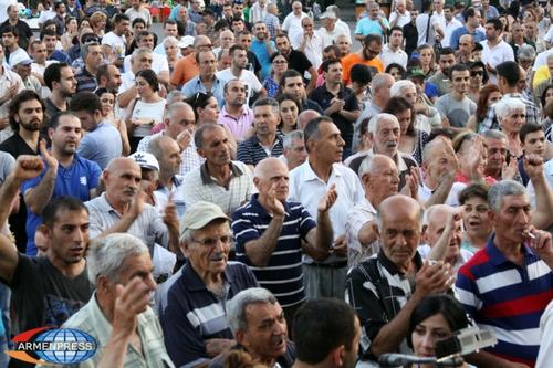 День труда в Армении и тотальная безработица: многим в стране не до праздника…