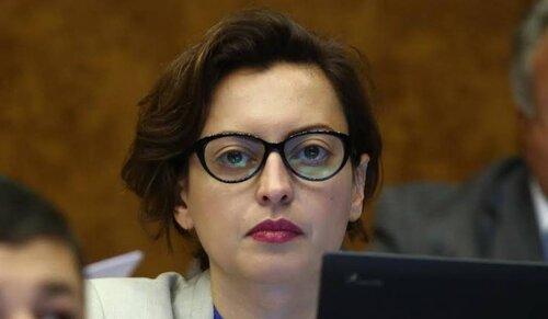 Лена Назарян не может жить на 500 000 драмов в месяц: как николовские чиновники перестали отличаться от сержевских