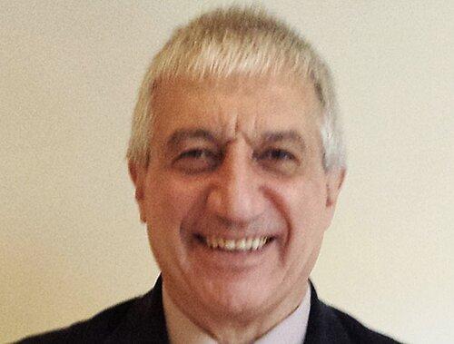 Страшная трагедия знатной армянской семьи России: в Москве от коронавируса скончался известный физик Мишик Казарян — вдовец врача-эпидемиолога Арпик Асатрян, умершей 27 марта от той же болезни