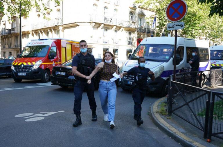 Ֆրանսիայում Փաշինյանի դեմ ակցիա անող ցուցարարներին բերման եմ ենթարկել․ՖՈՏՈՆԵՐ