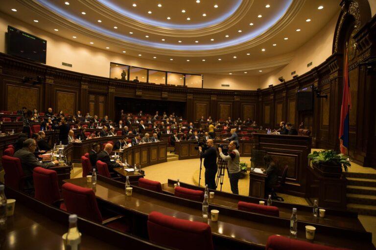Я – начальник, ты – дурак. Почему парламентская система в Армении ведет к диктатуре и как это исправить