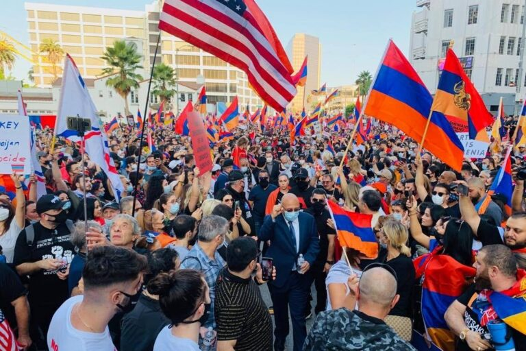 В США объявили о солидарности с Сюником, на который покушается Алиев