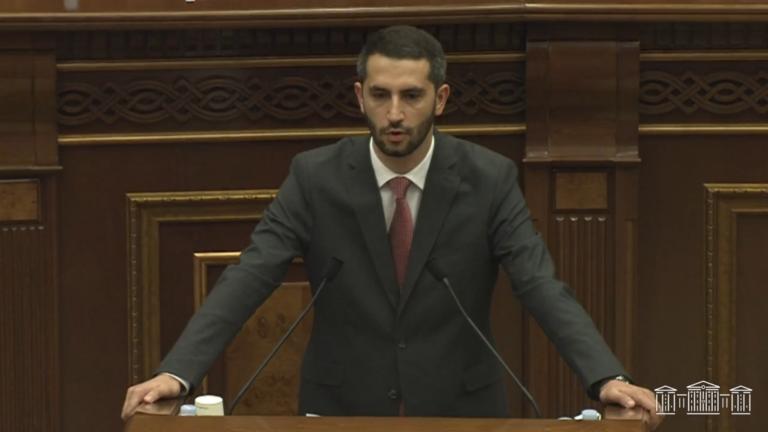 Проживавший в Турции вице-спикер парламента Армении не считает Арцах армянским: подробнее о его выступлении