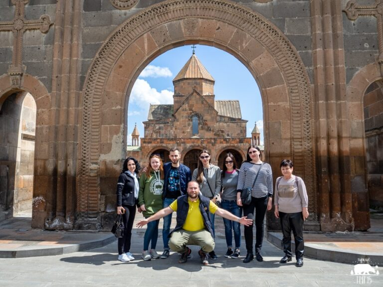 «Я к туркам больше не поеду – только в Армению!»: русский турист назвал 5 преимуществ отдыха в Армении
