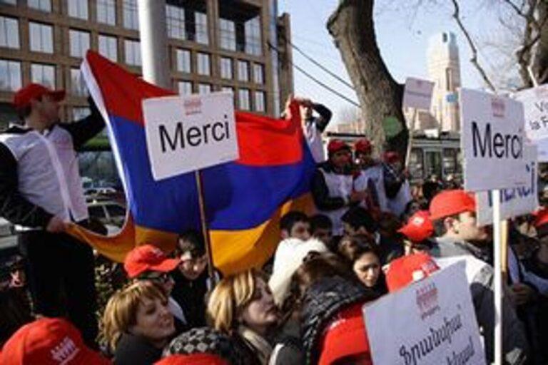 «Поддержка Армении перед лицом зверств Азербайджана — настоятельная необходимость»: Le Figaro (Франция)